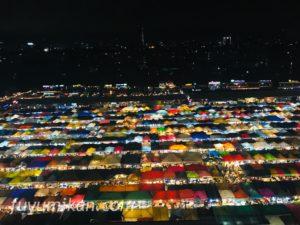 バンコクのナイトマーケットの夜景