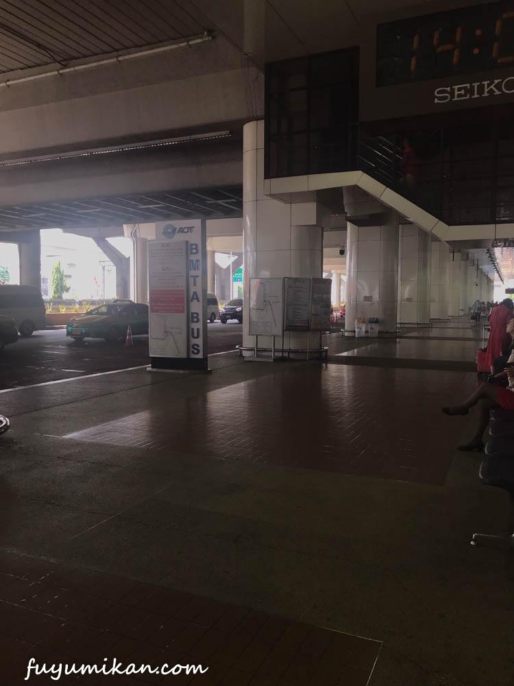 ドンムアン空港バス停