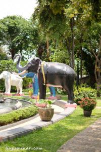 エラワンミュージアムの庭